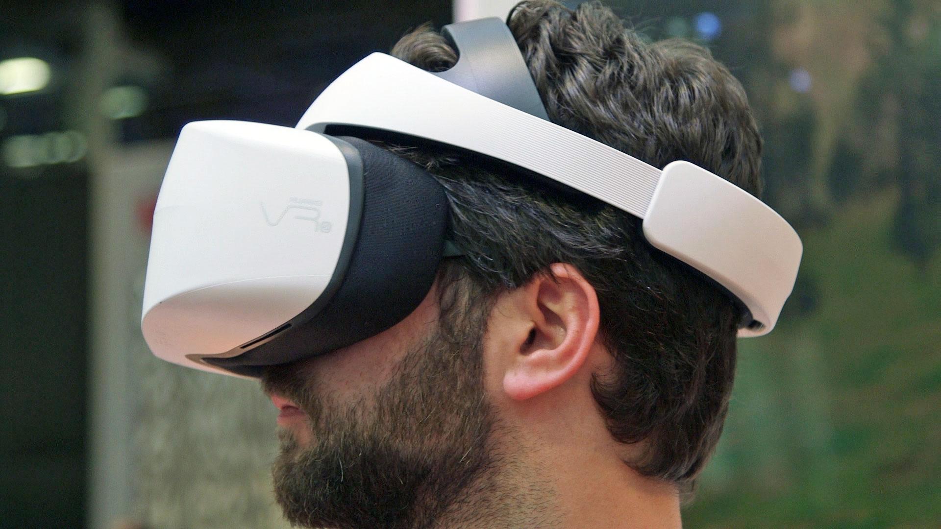 Huawei VR2 headset az IMAX-szel fejlesztve