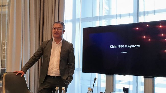 Kirin 980 bemutató Dubajban