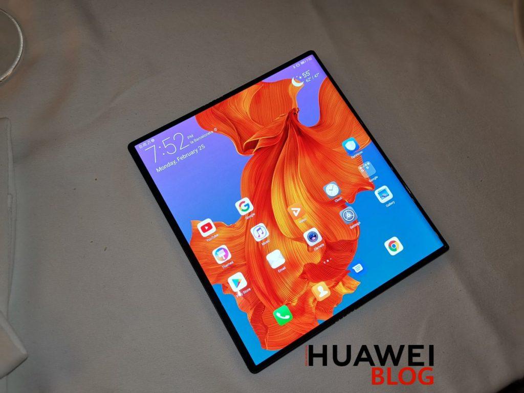 Kezünkben a Huawei Mate X (fotók és videó)