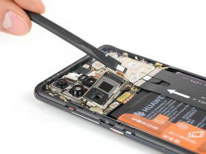 Huawei P30 Pro: darabokra szedve