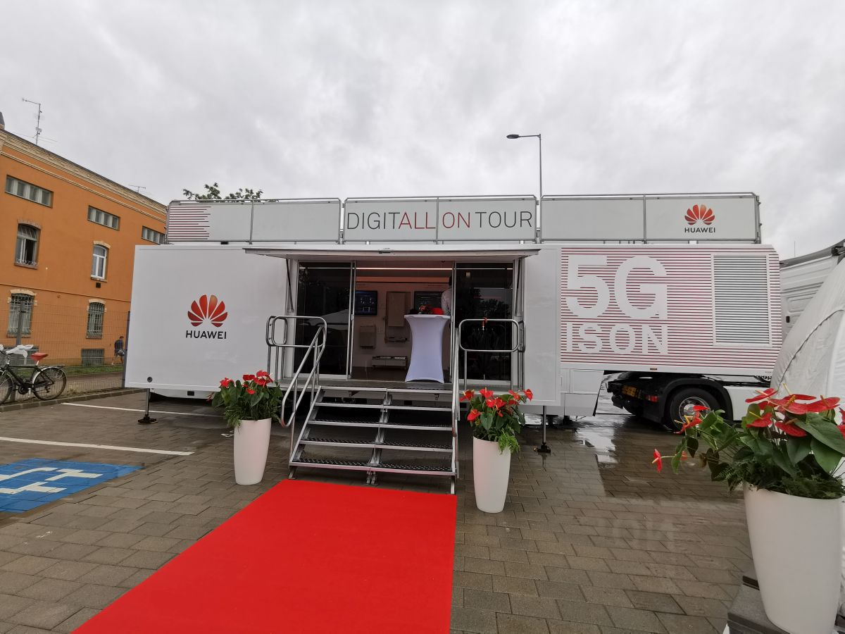 Huawei 5G Tour kamion
