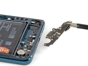 Szétszedték a Huawei Mate 20 X 5G-t