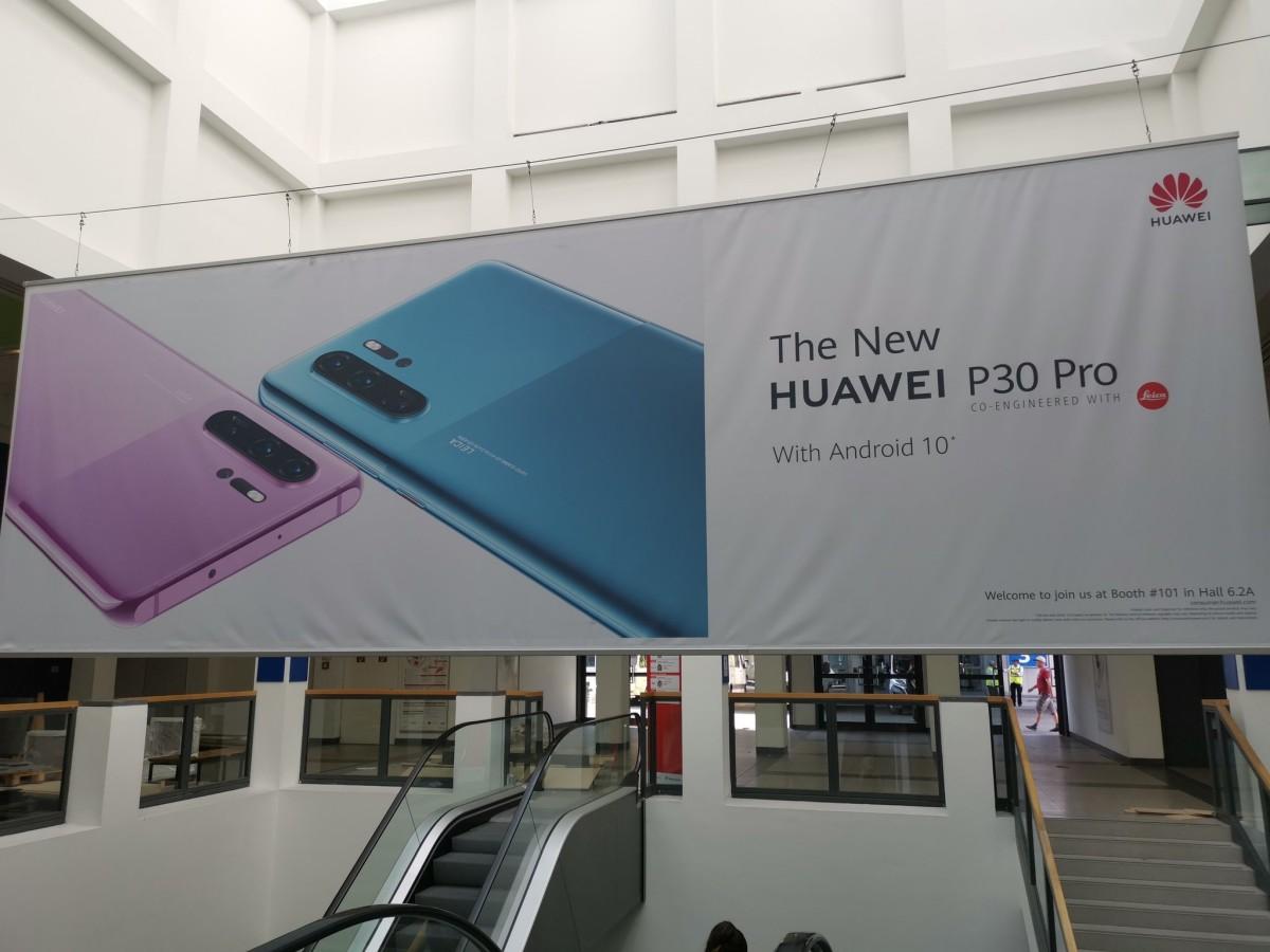 Új színekben, Android 10-zel jön a Huawei P30 Pro