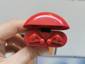 Magyarországon a piros Freebuds 3 headset
